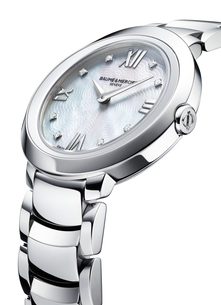 The details of Promesse are exceptional, including dial accents, and bezel accents.