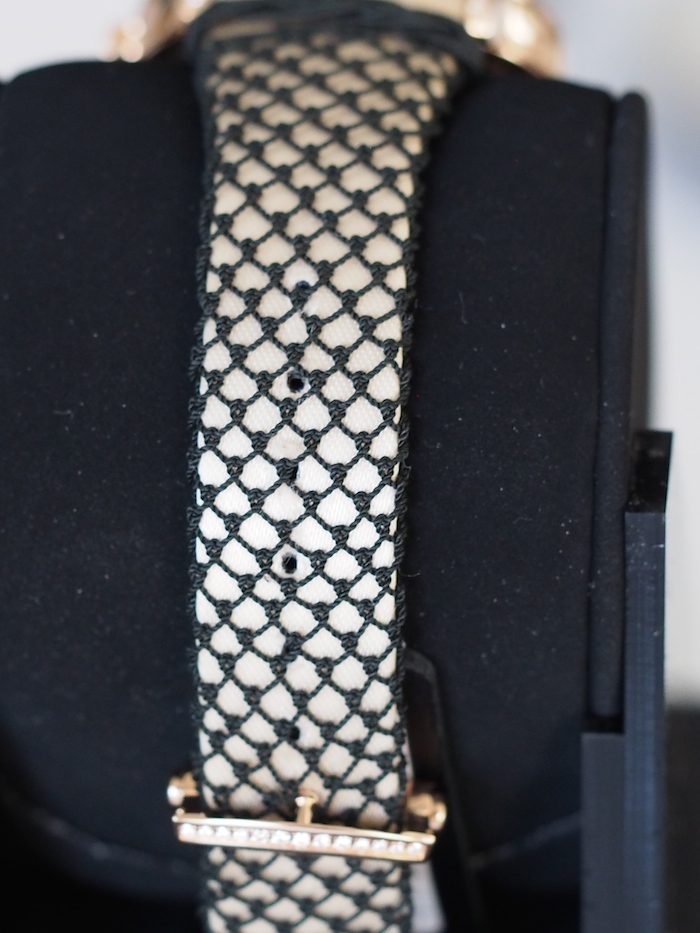 The back of the Passementerie strap