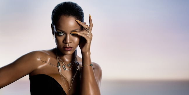 Rihanna wearing the RIHANNA LOVES CHOPARD Joaillerie collection copy