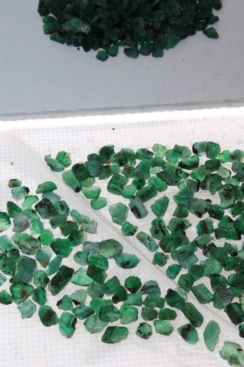 Emeralds as seen at Gemfields Kagem Mine in Zambia (Photo: R. Naas)