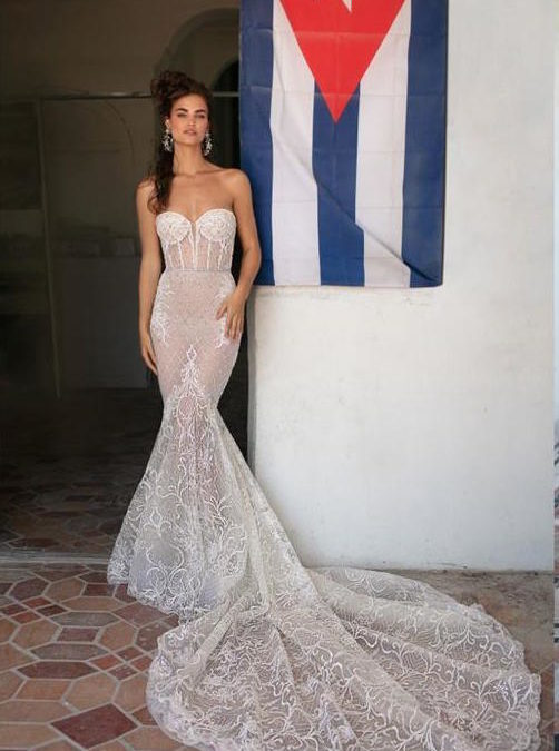 Daring Brides: Mermaid Wedding Dresses And The Jewels To Wear With Them