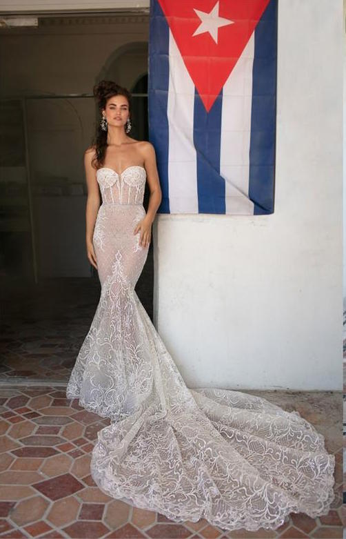 Daring Brides: Mermaid Wedding Dresses And The Jewels To Wear With ...